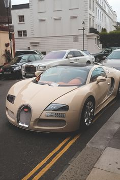 lawsy that is gorgeous! My Gold Bugatti