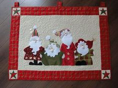 The Santas - mug rug
