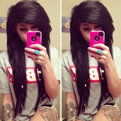 absolutely LOVE her hair. The cut + the dreads<3