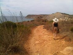 when in Portugal: cliff walk to Burgau beach