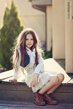 Girls boho style autumn girls style kids fashion kids clothes children's fashion photography with Diana Pentovich of Russia. Fashion Kids, Little Girl Fashion, Boho Fashion, Latest Fashion, Girl Photography, Fashion Photography, Estilo Hippy, Outfits Niños, Moda Boho
