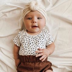 Look at how cute my new Niece❤️ Cute Little Baby, Cute Baby Girl, Little Babies, Little Ones, Cute Babies, Baby Kids, Dad Baby, Baby Boy, Cute Outfits For Kids