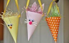 décoration de Pâques avec des cônes en papier DIY