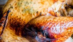 Cooking Turkey in a Bag {Tips for Best Roasted Turkey} Tastes of Lizzy T Best Roasted Turkey, Grilled Turkey, Smoked Turkey Rub, Roaster Oven Recipes, Smoker Recipes, Juicy Turkey Recipe, Best Thanksgiving Turkey Recipe, Thanksgiving 2020, Turkey Cooking Times