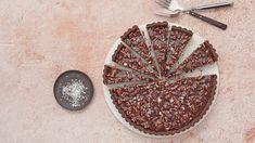 Dark Chocolate Pecan Tart- Dark chocolate and gooey caramel make this twist on pecan pie taste like a candy bar. Finish with flaky sea salt for balance and extra crunch. Tart Recipes, Baking Recipes, Dessert Recipes, Dessert Dishes, Chocolate Caramels, Chocolate Desserts, Just Desserts, Delicious Desserts, Pecan Tarts
