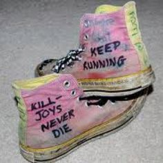 My chemical romance Emo Bands, Music Bands, Rock Bands, My Chemical Romance, Killjoys, Band Merch, Converse Sneakers, Punk Rock, Me Too Shoes