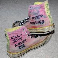 Killjoys shoes... Give me them, NOW!