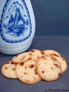 The Dutch Table: Koggetjes (Dutch Caramel Cookies)
