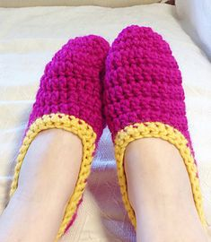 Very easy and fast ballerina slippers for lady's. The perfect last minute gift! written for all sizes so you have to do no math.