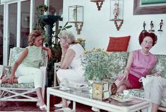 """Genevieve """"Bunny"""" du Pont, Suzanne """"Suzy"""" Anderson Gardner, and Wallis, Duchess of Windsor. Edward Windsor, Victoria Prince, Wallis Simpson, Edward Viii, Old Money, High Society, Famous Women, First Home, Duke And Duchess"""
