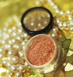 Pigmento HD Audrey dourado da Yes Cosmetics