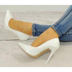 Dámské svatební lodičky bílé barvy - manozo.cz Beautiful Shoes, Stiletto Heels, Pumps, Outfits, Fashion, Heels, Cute Wedges Shoes, Moda, Cute Shoes