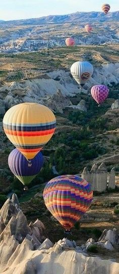 Air Balloon Rides, Hot Air Balloon, Balloon Balloon, Beautiful World, Beautiful Places, Amazing Places, My Travel Map, Balloon Pictures, Quelques Photos