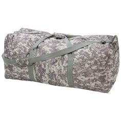 DIGITAL CAMO ARMY DUFFLE