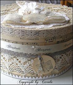 Beautiful hat boxe