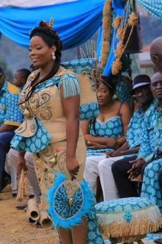 mariage coutumier gabonais/mariage traditionnel/gabonese wedding/traditionnal african wedding African Wedding Theme, African Wedding Attire, African Weddings, African Dresses For Women, African Wear, African Fashion Dresses, Hijab Sport, Beautiful Goddess, African Fabric