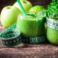 Készíts otthon friss, béltisztító italt. Mutatunk egy egyszerű receptet! Healthy Diet For Kids, Healthy Drinks, Diet Recipes, Healthy Recipes, Nutribullet Recipes, Smothie, Kaja, Paleo, Smoothie Bowl