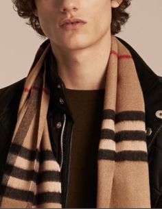 New Men's Burberry Signature Cashmere Check Beige Scarf AUTHENTIC