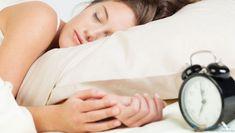 Uyurken Neden Gözlerimiz Kapanır? http://www.gereksizbilgi.com/uyurken-neden-gozlerimiz-kapanir/