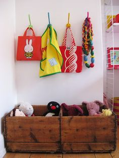 kid's room hooks and storage. Very easy to find and paint. Love the painted hooks. Deco Kids, Toy Storage, Storage Crates, Kids Storage, Kids Corner, Deco Design, Kid Spaces, Kids Decor, Boy Room
