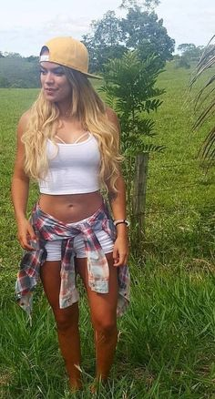 Country Outfits, Celebs, Celebrities, Cropped Hoodie, Sexy Outfits, Singer, Hoodies, Unique, Hot