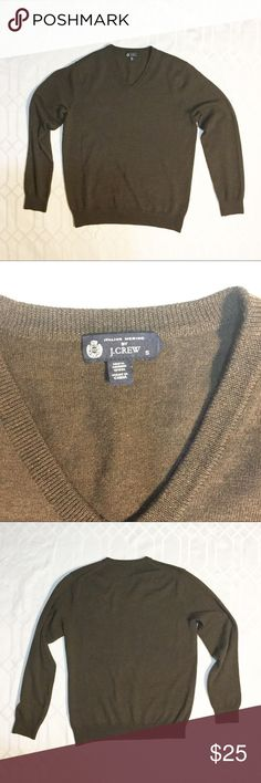 """J Crew Men's Sweater. 100% Italian Merino Wool Brown J crew v neck sweater in excellent condition. 100% Italian Merino Wool. Lightweight and soft to the touch. 25"""" in length. j crew Shirts"""