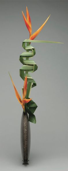 Leaf manipulation in Ikebana
