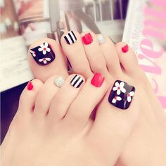 Other Nail Care Women Beauty Toe Nails Tips Toe Feet False Full Nail Tips … Andere Nagelpflege Frauen Beauty Toe Nails Tipps Toe Feet False Full Nail Tips Maniküre Kits Pretty Toe Nails, Cute Toe Nails, My Nails, Black Toe Nails, Feet Nail Design, Toe Nail Designs, Flower Pedicure Designs, Art Designs, Pedicure Nail Art