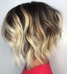 Choppy wavy bob with chunky blonde highlights balayage highlights, balayage Chunky Blonde Highlights, Blonde Balayage Bob, Balayage Hairstyle, Balayage Highlights, Blonde Ombre, Dark Ombre, Caramel Highlights, Bayalage For Short Hair, Blonde Highlights On Dark Hair Short