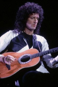 You're gonna love me when you see me Queen Guitarist, Queen Brian May, Music Jam, Ol Fashion, Queen Photos, British Rock, Queen Freddie Mercury, Queen Band, Stars Then And Now