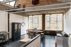 Loft dans une ancienne usine de chaussures à Londres