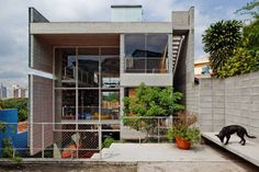 Proyecto: Casa Morro do Querosene  Obra: Vivienda Unifamiliar.  Autor del Proyecto: Arq. Alvaro Puntoni (Grupo SP).  Ubicación: San Pablo (Brasil).