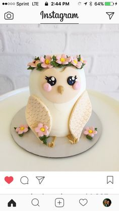 Owl cake - Desserts and Treats - Kuchen Pretty Cakes, Cute Cakes, Beautiful Cakes, Amazing Cakes, Beautiful Owl, Fancy Cakes, Mini Cakes, Cupcake Cakes, Owl Cupcakes
