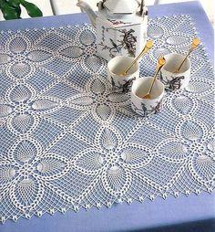 "Diy Crafts - Square motifs for napkin and tablecloth ""Kira scheme crochet: Scheme crochet no."", ""Square pineapples motives for napkin and tab Crochet Bedspread Pattern, Crochet Doily Diagram, Crochet Square Patterns, Crochet Motifs, Doily Patterns, Crochet Round, Crochet Squares, Filet Crochet, Crochet Doilies"