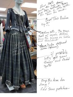 """""""My notes on making the dress look as if has been worn over the years that Claire has been gone. Scottish Costume, Scottish Dress, Scottish Clothing, Scottish Fashion, 18th Century Dress, 18th Century Costume, Historical Costume, Historical Clothing, Serie Outlander"""