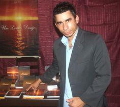 Joabe Reis apresenta, os seus livros: Um Louco Desejo e Deserto da Alma. Leia no meu blog http://joabe-reis.blogspot.com.br/2014/08/joabe-reis-apresenta-os-seus-livro.html