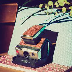 Cámara Polaroid SX70 Rehabilitada por Alan Prodanov Personalizada con cuero  A la venta en My Vintage Shoot www.myvintageshoot.com