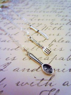 Set of three friendship necklace!! Totally getting this for Me, @Gwen Elison, And McKensie Elison!! I want the spoon!
