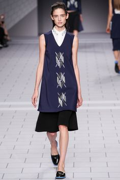 Viktor & Rolf | Spring 2014 Ready-to-Wear Collection | Kate Goodling Modeling | Style.com