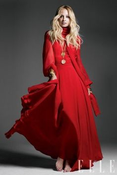 Nicole Richie number one fashion and lifestyle fan website. All about Nicole Richie News. The longest standing fan website around for Nicole Richie. Red Fashion, Fashion Colours, Fashion News, Fasion, Modest Fashion, Couture Fashion, Fall Fashion, Nicole Richie, Pantone
