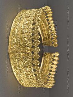 """Jewelry from the Campana Collection. Musée du Louvre. ll.126. Diadem Or. Estampage h. max. 6,3 cm, d. 14,7 cm Paris, musée du Louvre, DAGER, collection Campana, acq. VI"""" siècle av. J.-C. Louvre, Departement des Antiquites Grecques/Romaines"""