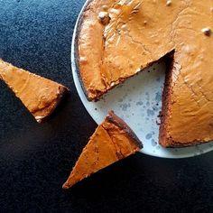 Chokolade mud cake - sprød på toppen, blød i midten, rig på smag og let at lave! #hashtagmor