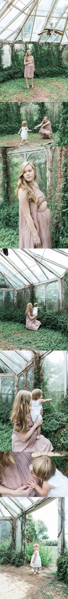 unique greenhouse maternity photos | second baby maternity photos