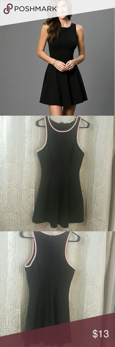 Must have look with this Little Black Dress! Beautiful and very comfortable black dress. This is the most comfortable black dress I've ever worn. I got it to wear for going out at night on a vacation in Miami. It's so lightweight it feels like it's a part of your body. I'm 5 6 and it reaches me about mid thigh so it's the perfect length. Not too short, not too long. This dress is a large and fits large. I always wear large. I'm a 36D if that helps as well. The hint of pink is just perfect…