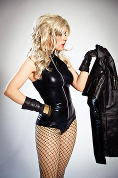 Black Canary Auction your comics on http://www.comicbazaar.co.uk