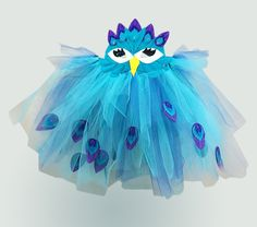 This free DIY peacock costume includes a tutu and a mask pattern for lots of dressing up fun! The instructions given are for how to complete it on a sewing machine, but you could also use a hot glue gun if you prefer. Includes sizes 2-10 years for the mask, and sizes newborn to 12 years for the tutu, along with instructions on how to customise it for any size/age (including adult!).