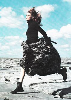 Angela Lindvall in Yohji Yamamoto | Ph. by Mario Testino  Vogue September 1998