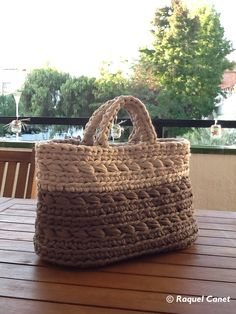 Crochet XXL:  el meu cistell per a revistes /   my basket for magazines