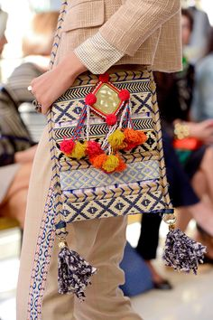 tory burch pom pom+tassel bag~inspired by the tribal artisans of India. Bohemian Mode, Hippie Chic, Boho Chic, Hippie Style, Tory Burch, Style Boho, My Style, Fashion Bags, Boho Fashion