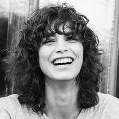 23 Best Ideas for hairstyles curly bangs short bobs afro bangs hair hair styles mujer peinados perm style curly curly Curly Fringe, Curly Hair With Bangs, Short Curly Hair, Hairstyles With Bangs, Wavy Hair, New Hair, Curls Hair, Curly Hair Cuts Medium, Curly Perm